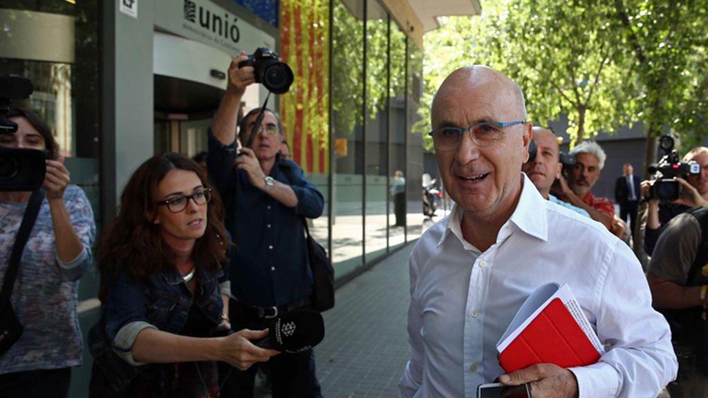 Duran abandora la sede de Unió después de que la Ejecutiva acordara dejar el Gobierno  de la Generalitat