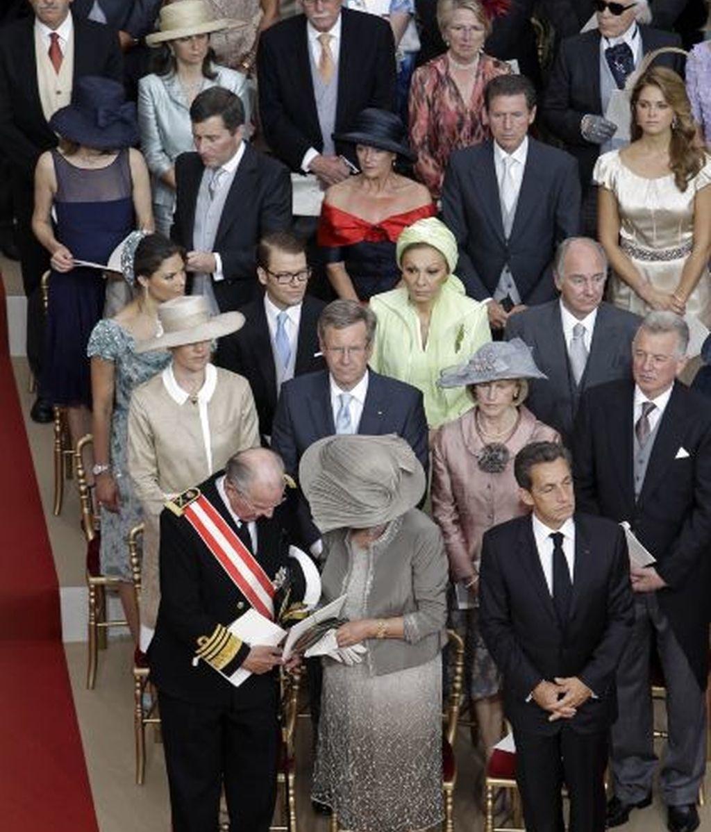 Invitados, en el interior del palacio