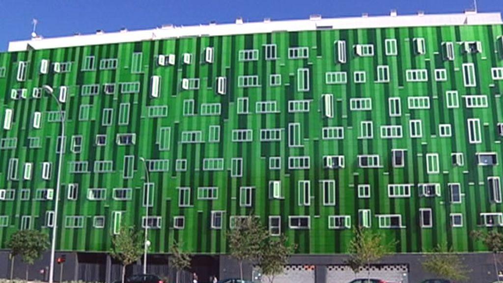 Un edificio verde