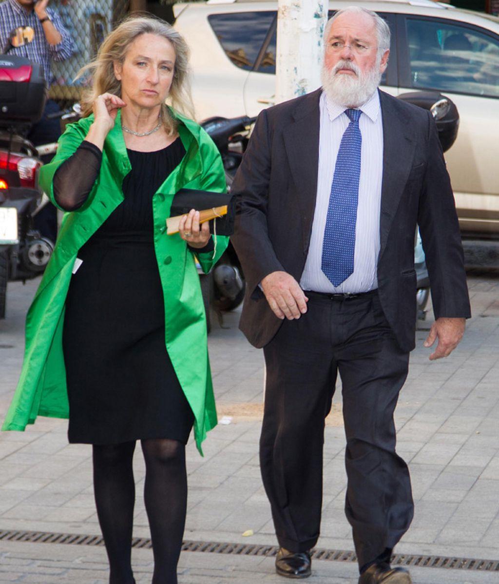Miguel Arias Cañete con su mujer