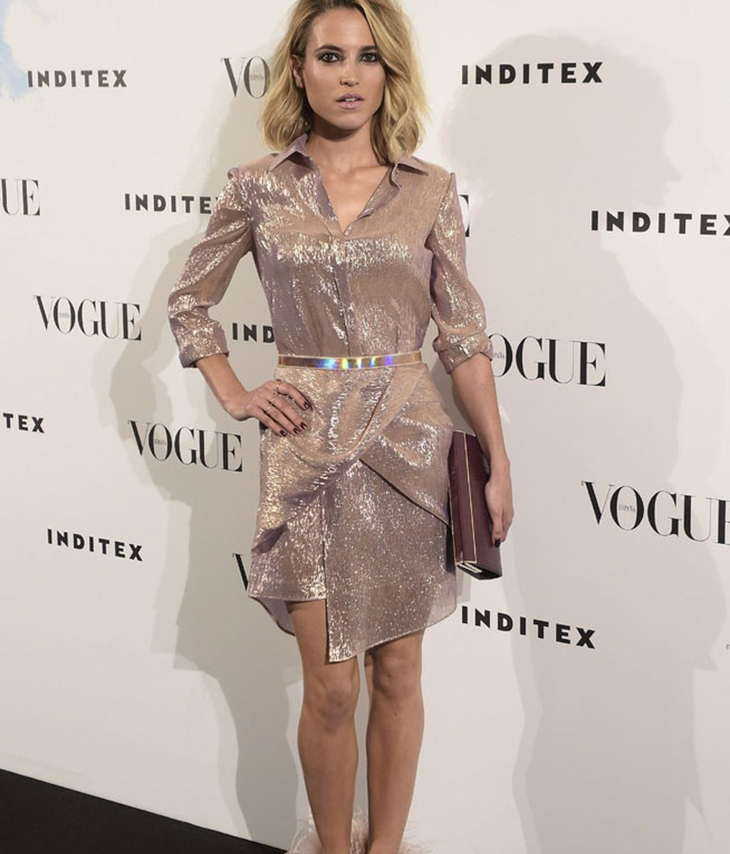 Ana Fernández se enfundó un vestido en gasa color nude de The 2nd Skin Co