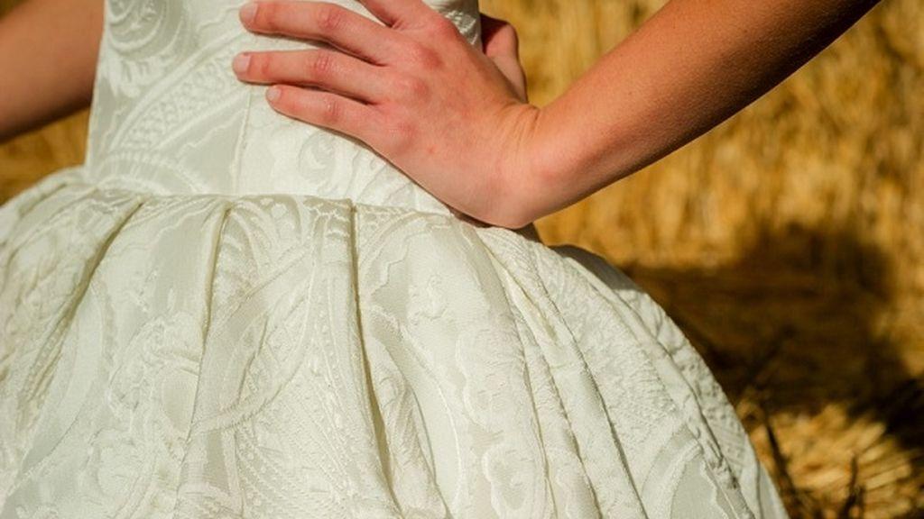 Para las bodas invernales, el brocado es tu tejido