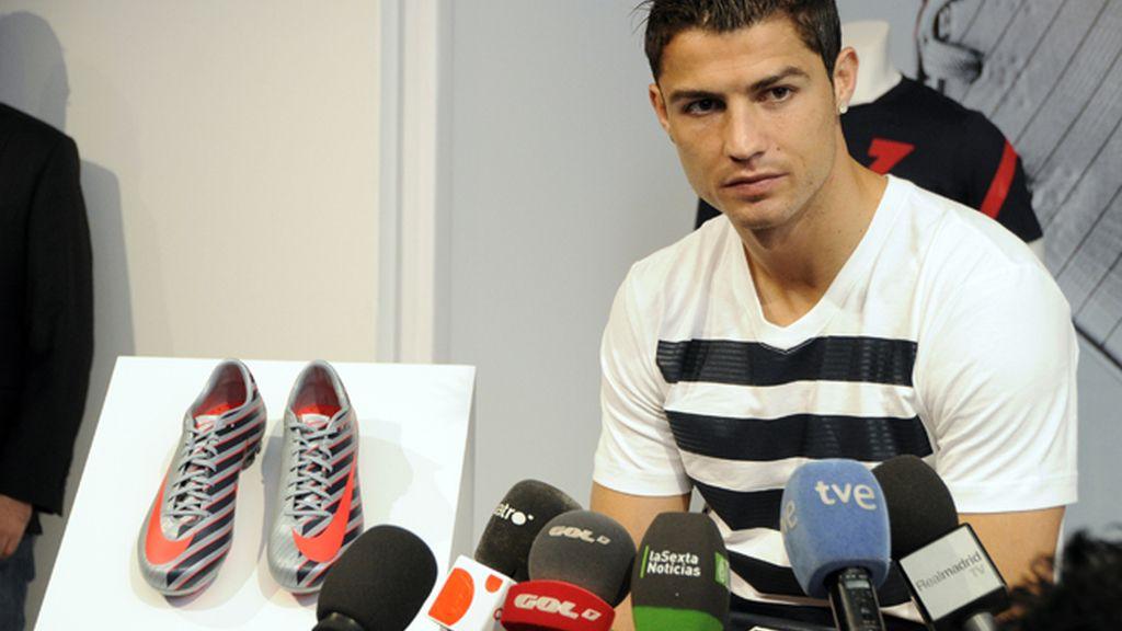 Cristiano Ronaldo, como un niño con zapatos nuevos