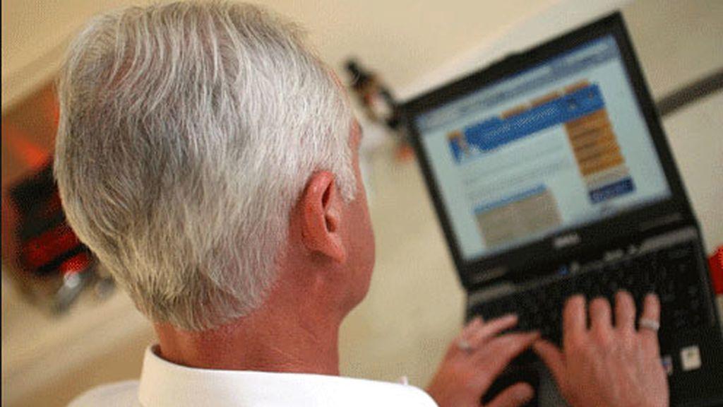 ancianos redes sociales,uso de las redes sociales,usuarios redes sociales