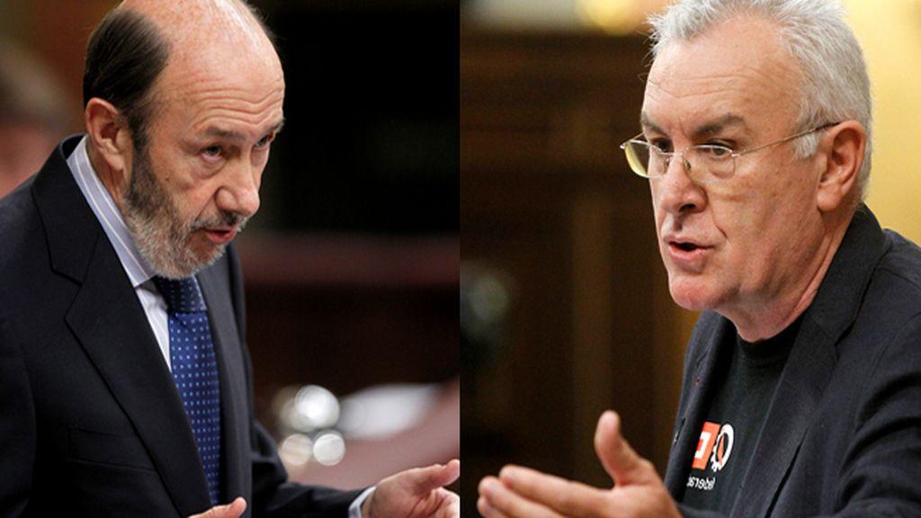 Rubalcaba y Cayo Lara replican a Rajoy en la tribuna del Congreso