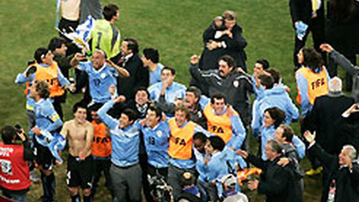 La selección uruguaya quiere volver a celebrar, pero esta vez su pase a la final. FOTO: Getty.