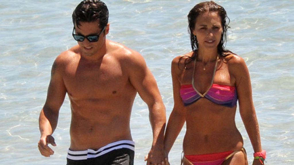 Bustamante y su media naranja, en Ibiza