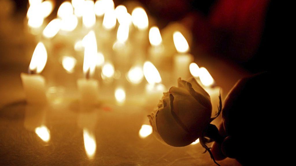 Indios rezan por las víctimas del siniestro del vuelo MH17