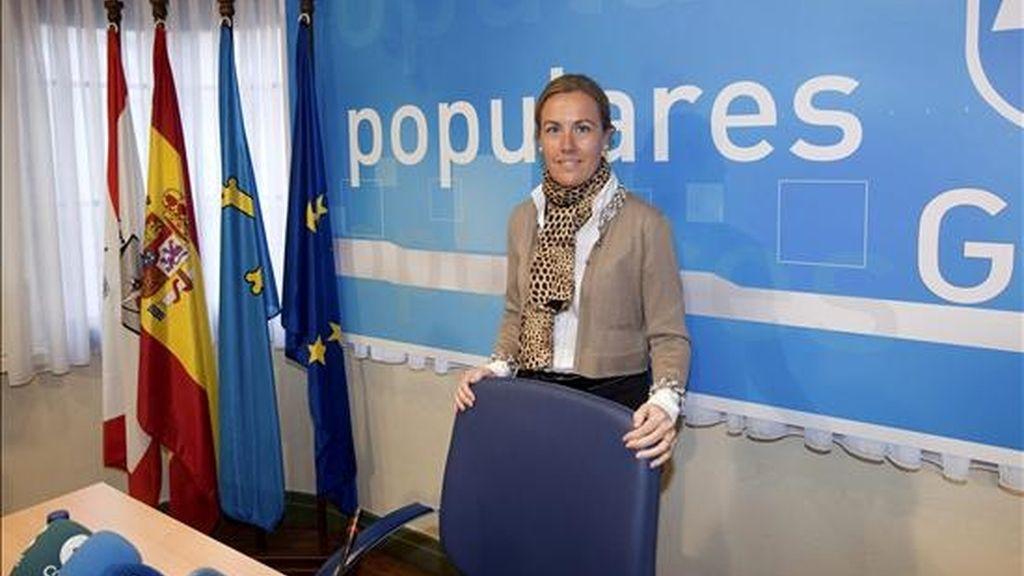 La diputada nacional y presidenta del PP de Gijón, Pilar Fernández Pardo, durante la conferencia de prensa que ha ofrecido hoy en Gijón, en la que se ha referido a la decisión del ex ministro Francisco Álvarez-Cascos de darse de baja en el partido. EFE