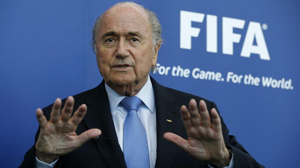 """Blatter: """"Que un jugador valga lo de Bale lo dudo, pero no podemos intervenir en el mercado"""""""