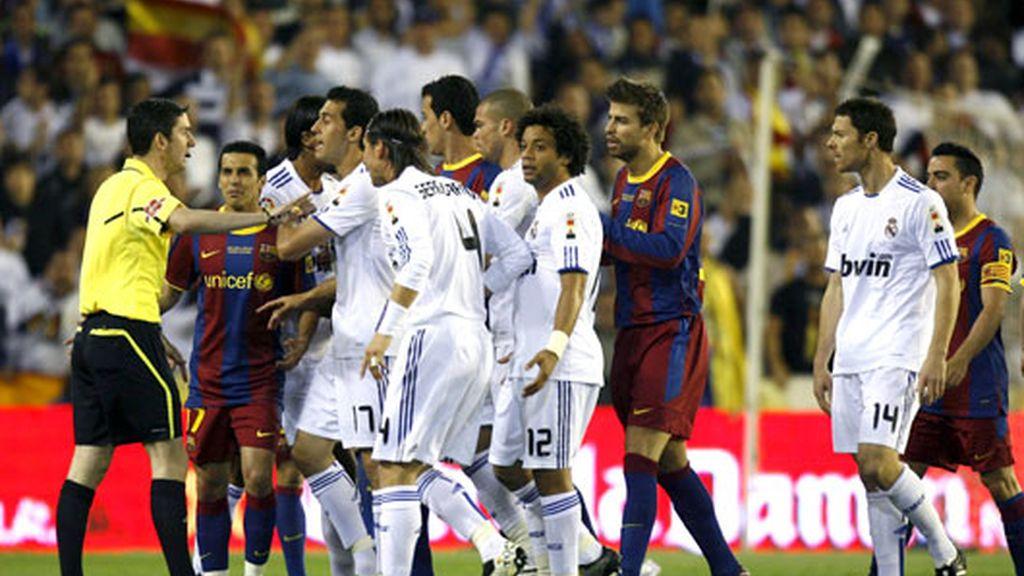 La tensión entre los jugadores quedó visible desde los primeros minutos