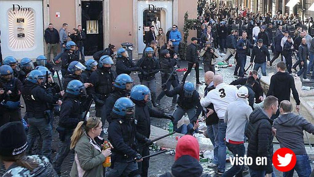 Los seguidores del Feyenoord la lían en Roma