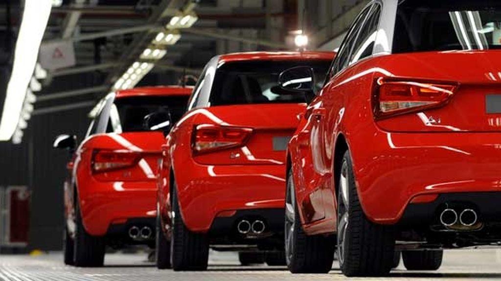 Las ventas de coches caen un 17,7% en España durante 2011