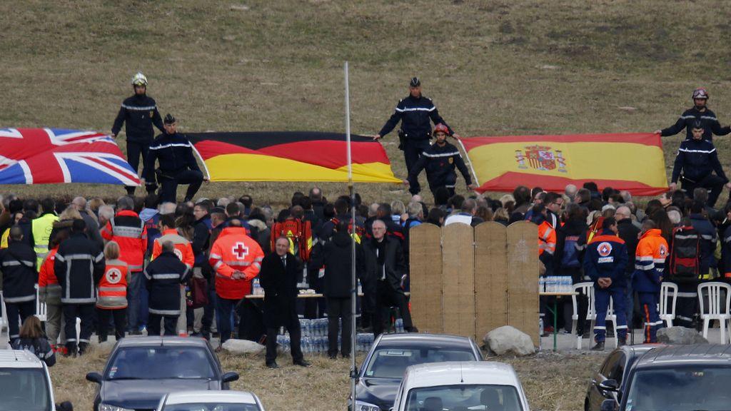Homenaje a las víctimas del accidente de Germanwings en los Alpes
