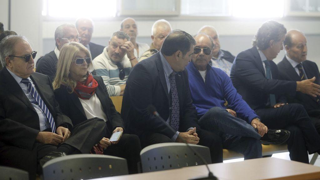 Absueltos seis condenados por Terra Mítica y a prisión dos exdirectivos por fraude