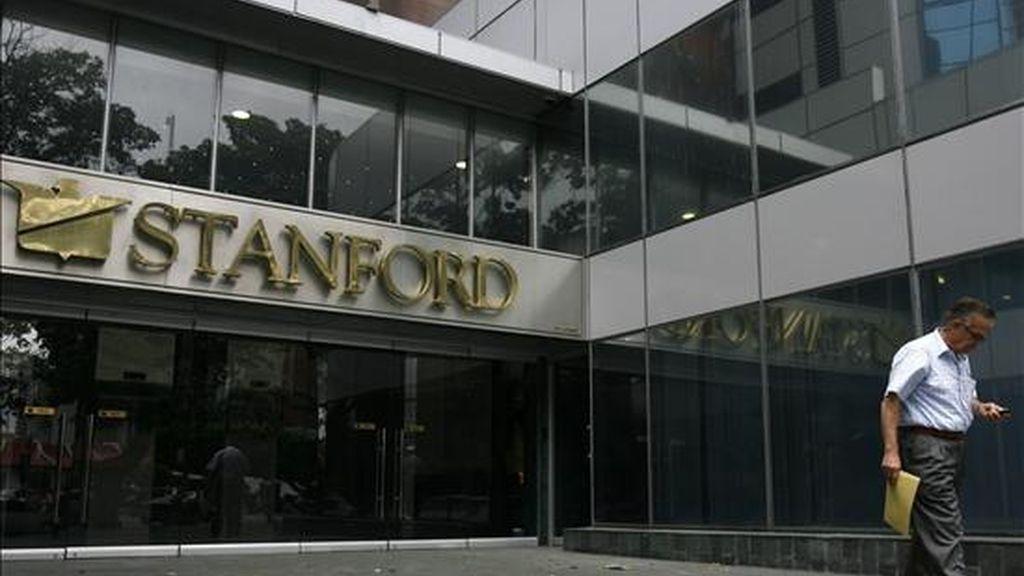 En febrero pasado la Comisión de Valores acusó a la operación financiera dirigida por Stanford por numerosas infracciones de las leyes estadounidenses sobre valores, y una estafa con certificados de depósito que ha afectado a miles de inversionistas. EFE/Archivo