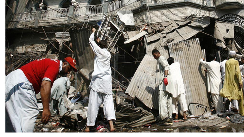 El balance por el atentado de Peshawar aumenta a 40 fallecidos y unos 100 heridos