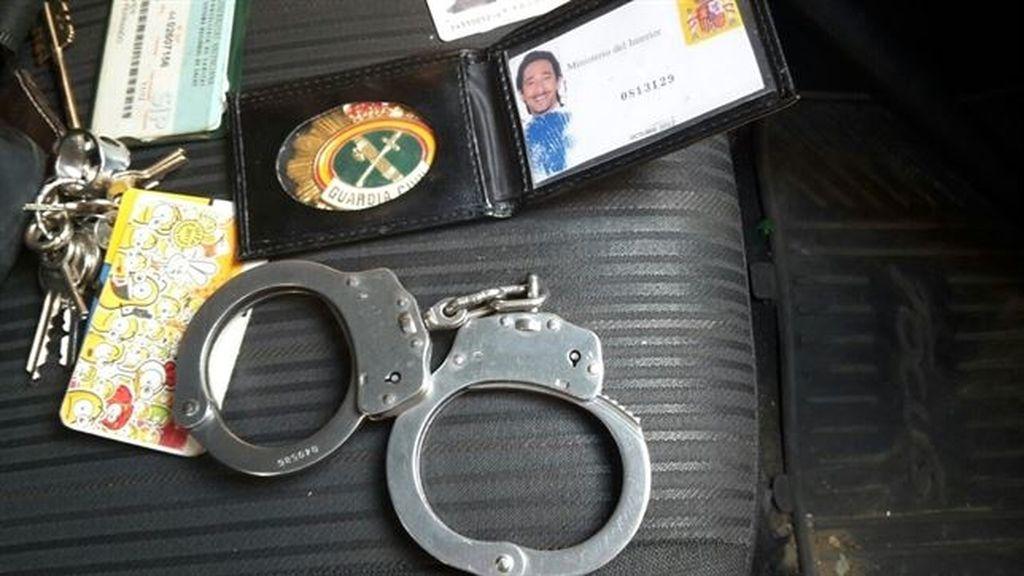 Documentación en posesión del falso guardia civil detenido