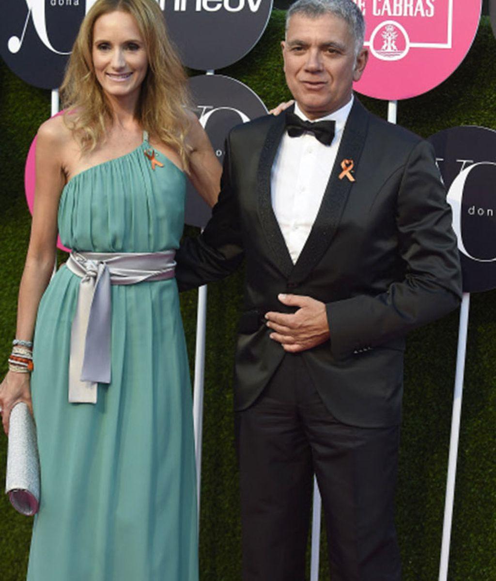 El periodista Juan Ramón Lucas y la ex modelo Sandra Ibarra a su llegada