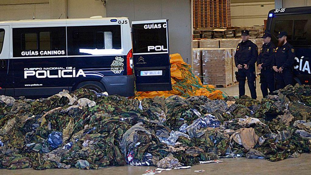 La Policía incauta 20.000 uniformes y complementos militares destinados a grupos yihadistas