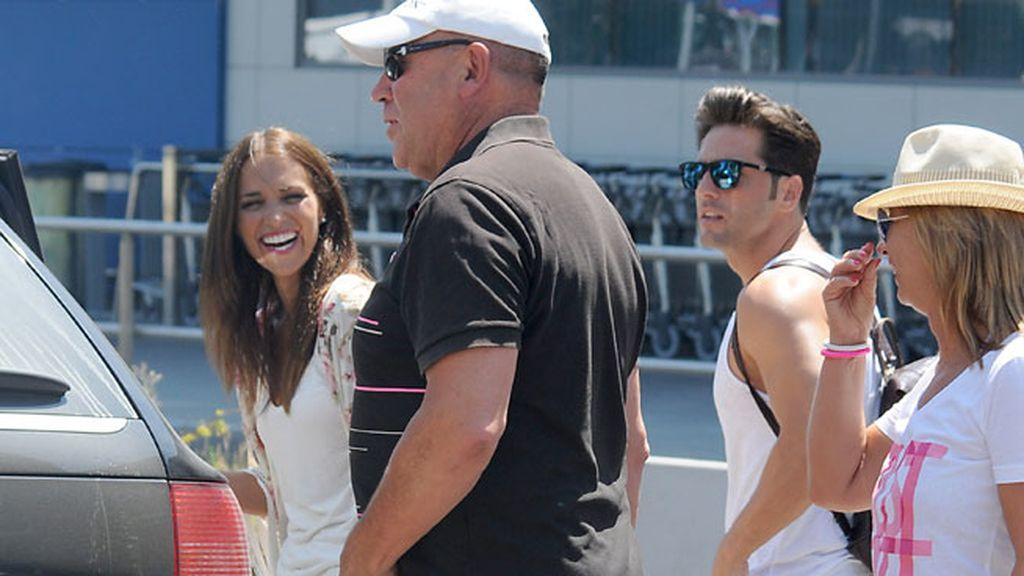 Paula y Bustamante siguen sus vacaciones, esta vez en Ibiza