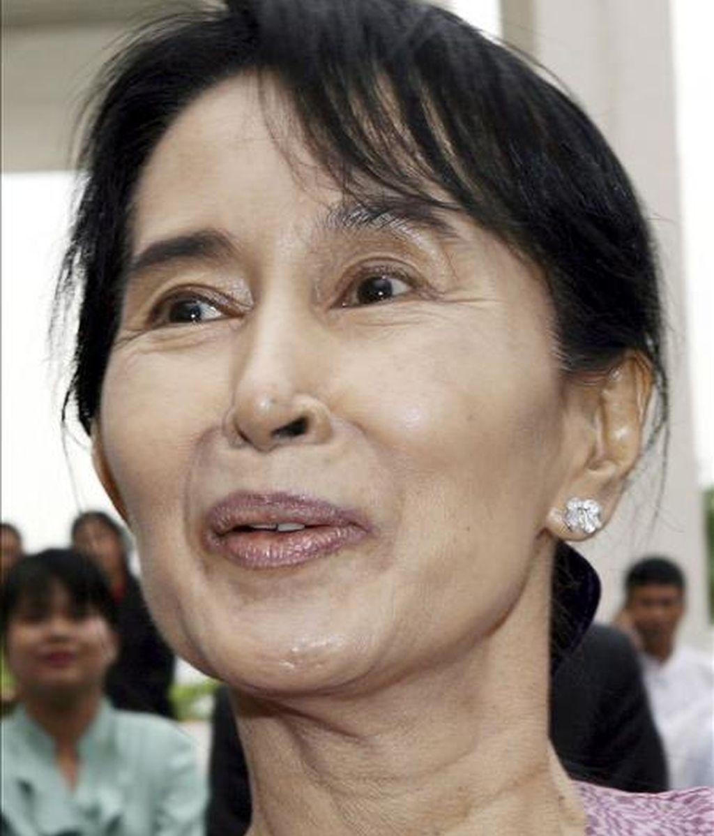Entre las personas privadas de libertad se encuentra la líder de la oposición y nobel de la paz (1991), Aung San Suu Kyi, que ha vivido ya en cautividad 15 de los últimos 21 años. EFE/Archivo