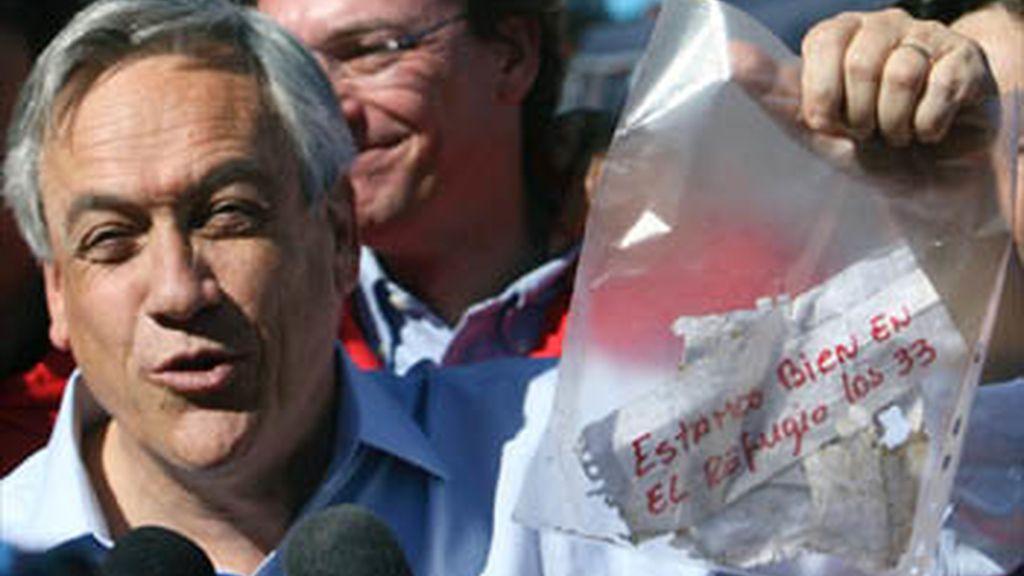 Los mineros atrapados en Chile empezarán a recibir comida y medicamentos en las próximas horas