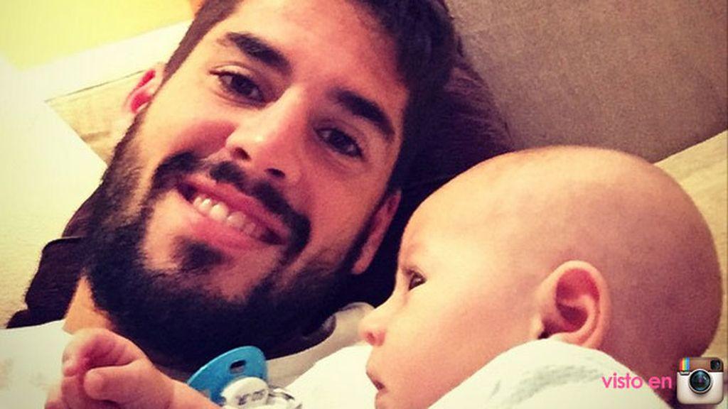 Isco padre parece disfrutar de su reciente paternidad