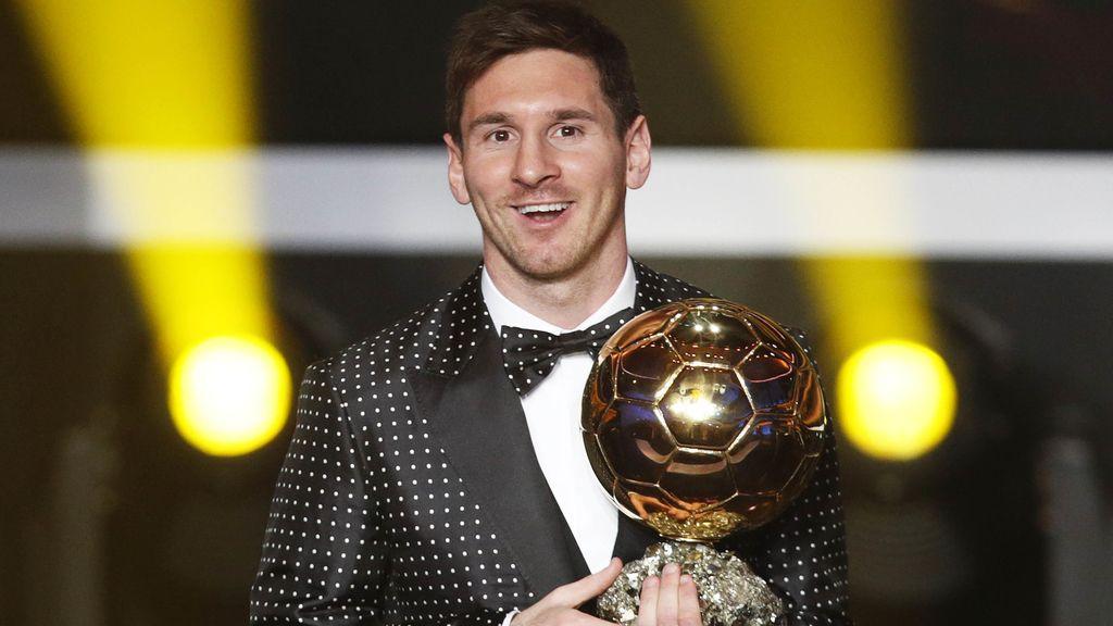 El jugador argentino del FC Barcelona, Leo Messi, Balón de Oro 2012