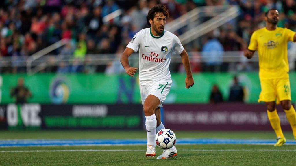 Raúl jugó sus últimos días como futbolista en el New York Cosmos