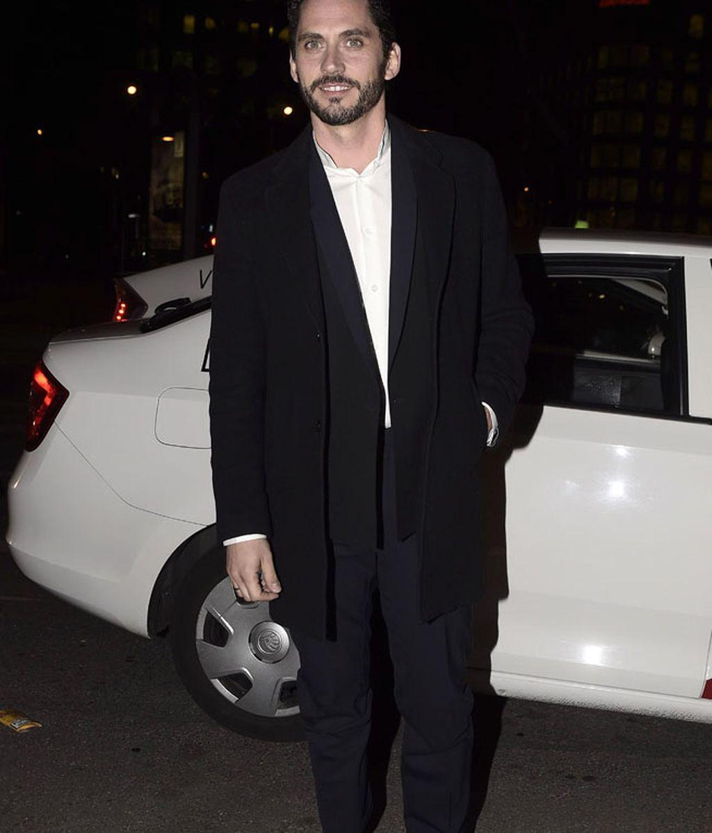 Paco León también quiso estar en la fiesta de Harper's Bazaar