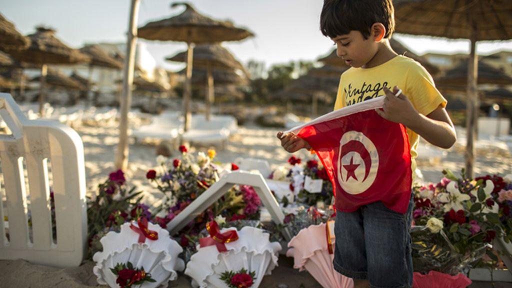 Triste vuelta de los turistas a las playas de Túnez