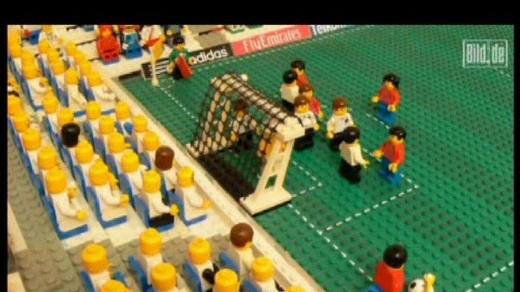 Recreación del gol de Puyol