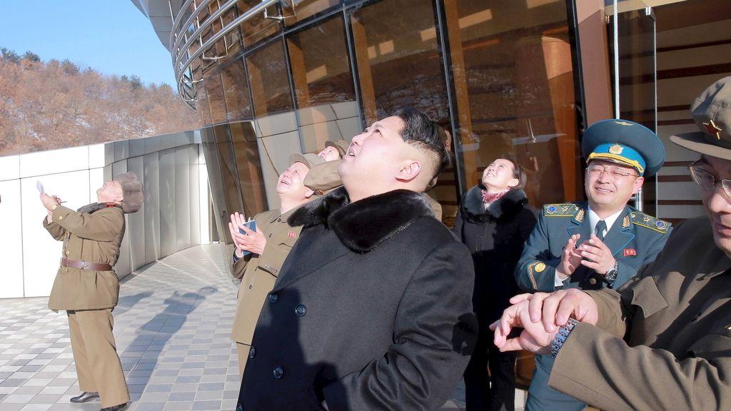 Corea del Norte lanza un misil de largo alcance