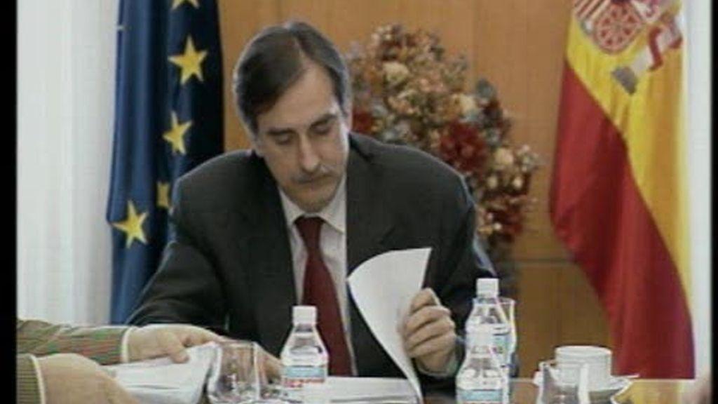 Valeriano Gómez, un gesto a los sindicatos