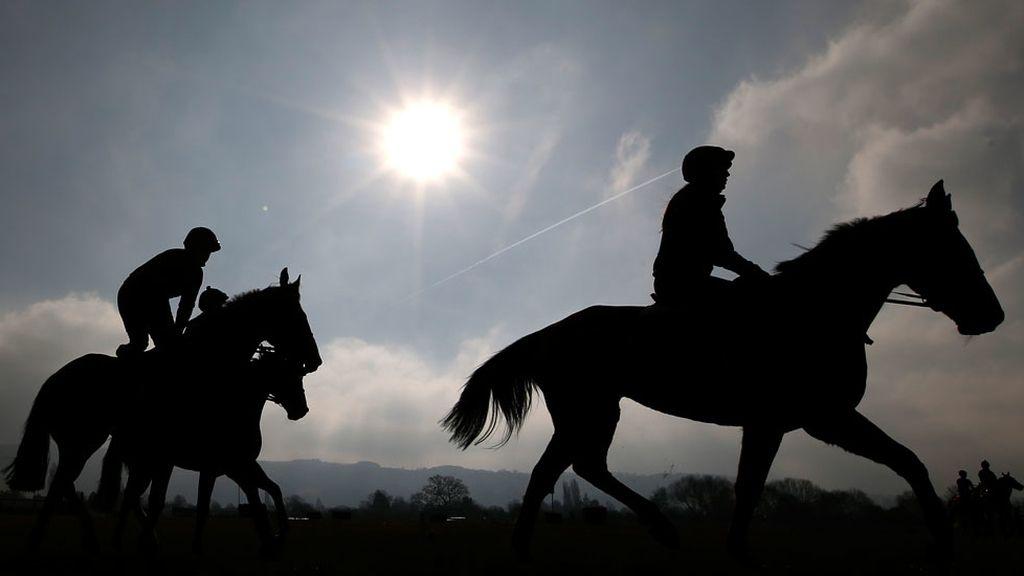 A caballo en una de las ciudades más 'chic' de Inglaterra (14/03/2016)