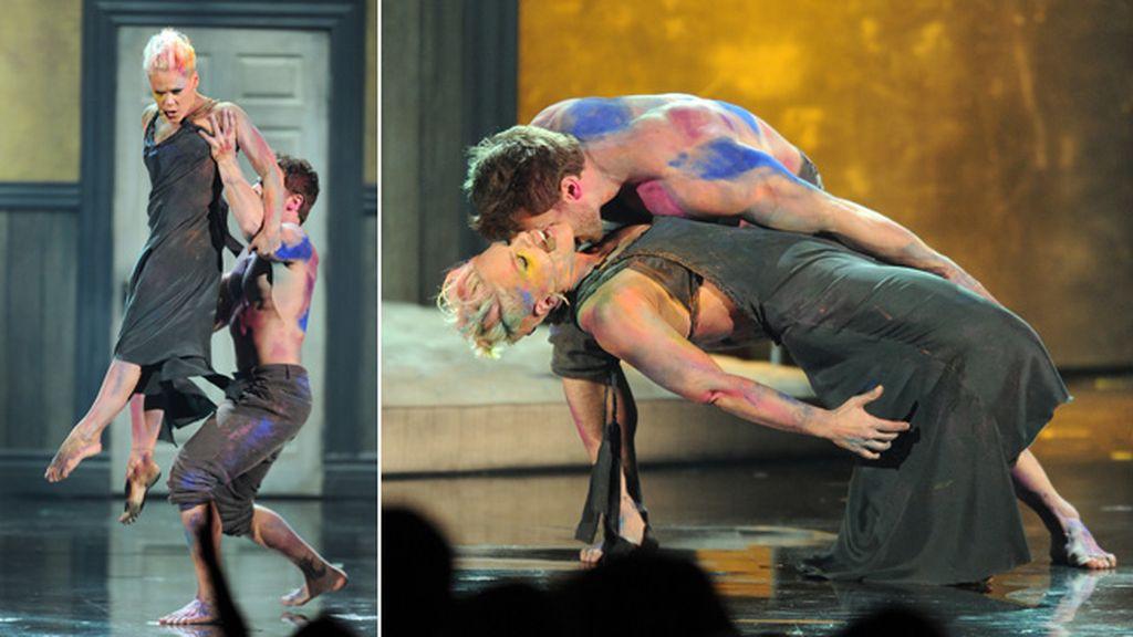 Pink sorprendió a los asistentes con esta performance