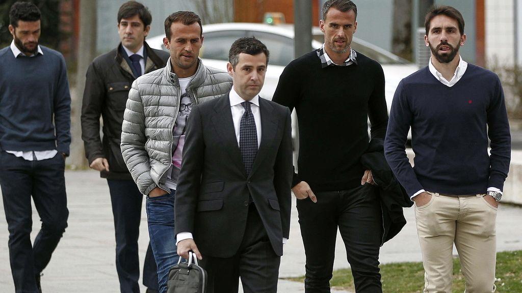Los jugadores de futbol Jordi Figueras, Antonio Amaya y Jorge Molina