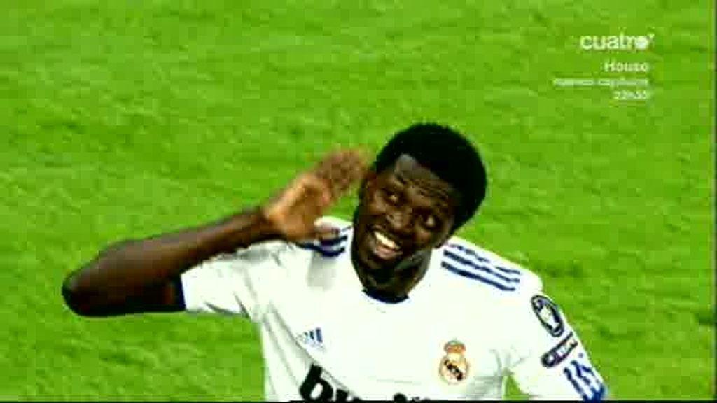 Adebayor, el azote del Tottenham
