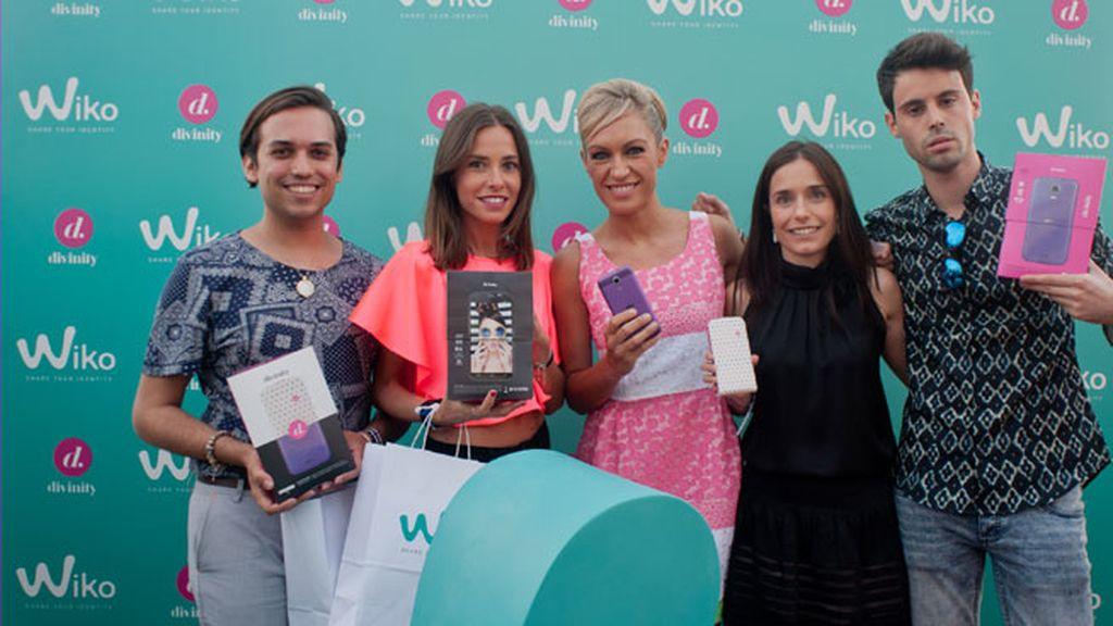 Lujan Argüelles junto a los blogueros Marta Carriedo y Nacho Aznar