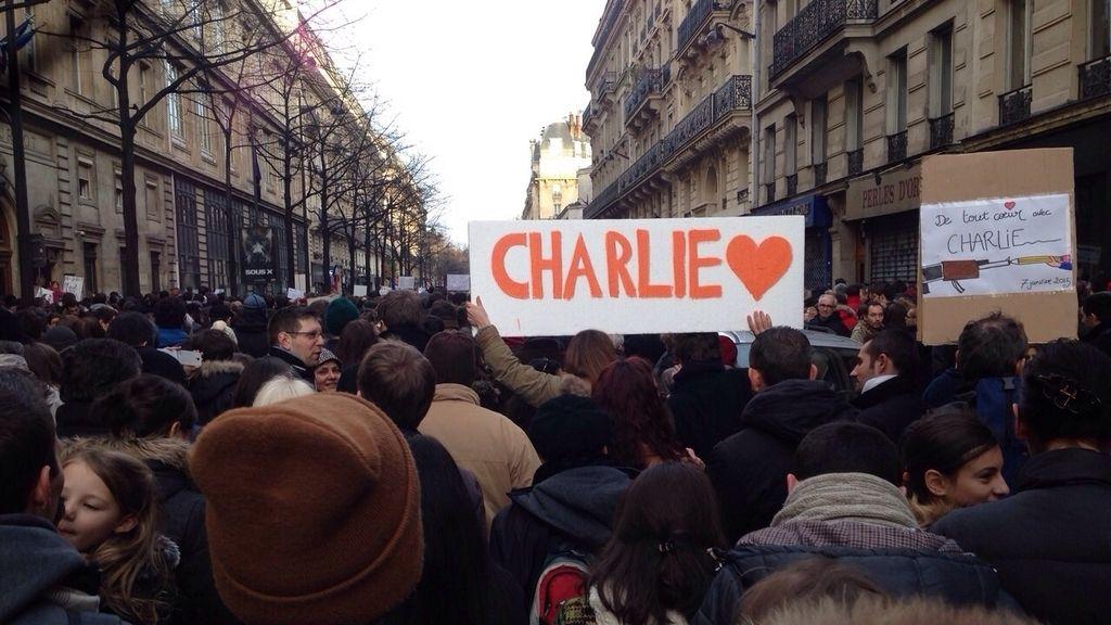 Histórica marcha por la paz en la capital francesa