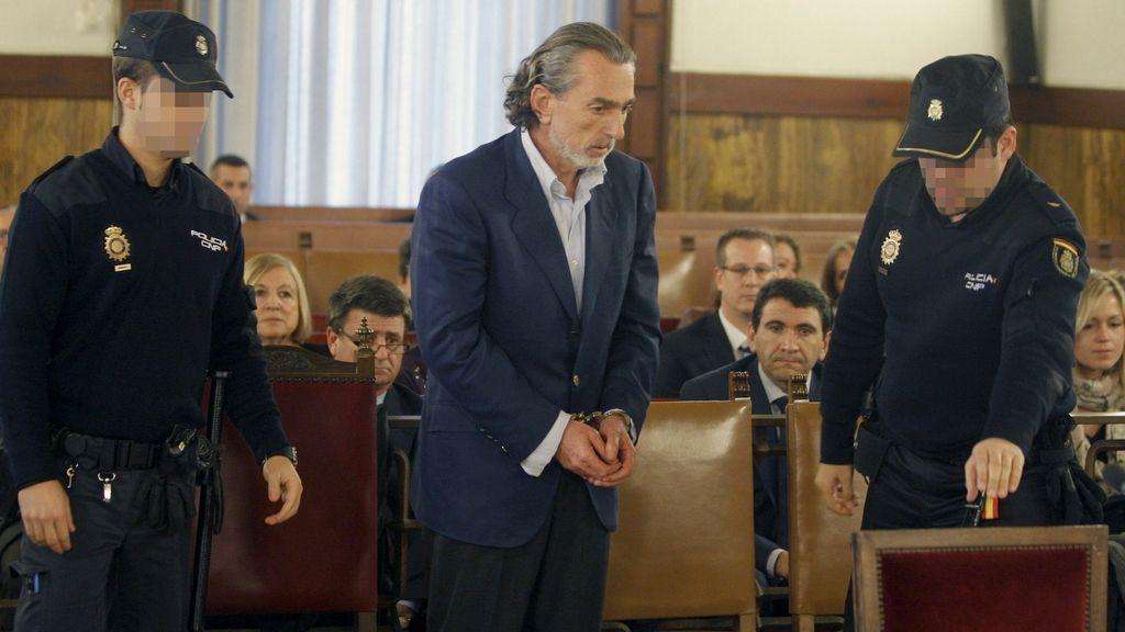 El presunto cabecilla de la trama corrupta, Francisco Correa, a su llegada a declarar como testigo