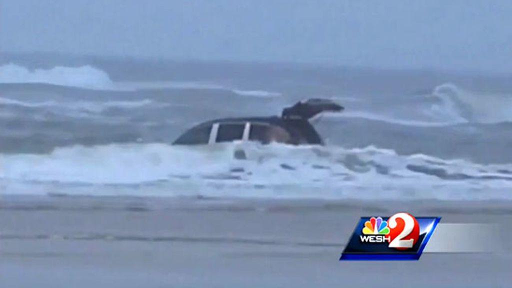 madre suicida,tres niños,coche,Daytona Beach,mujjer embarazada