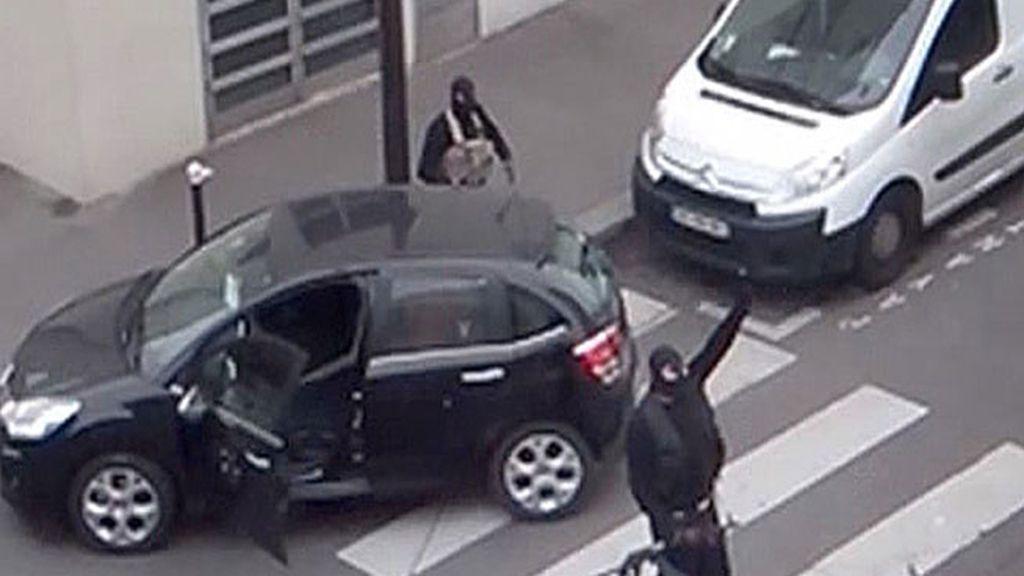 El terrorismo islamista masacra la redacción de 'Charlie Hebdo'