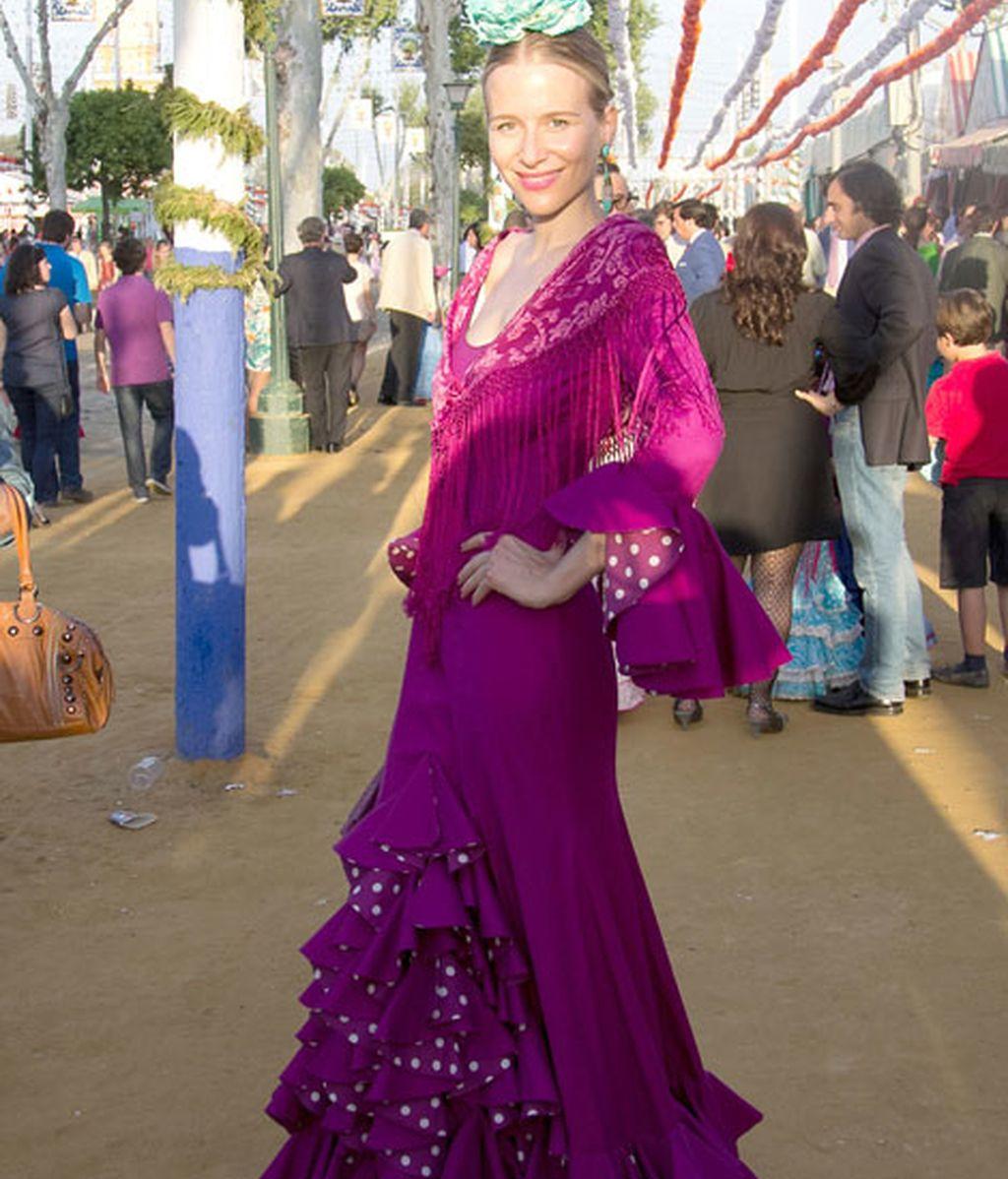 María León, vestida color lila