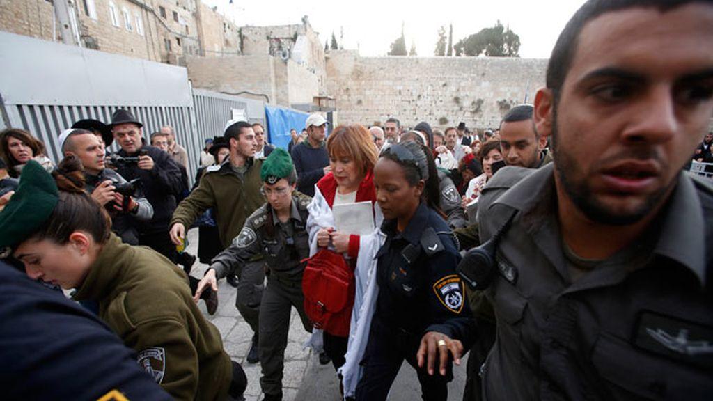 Detención en Jerusalem de una de las mujeres de Women of the Wall