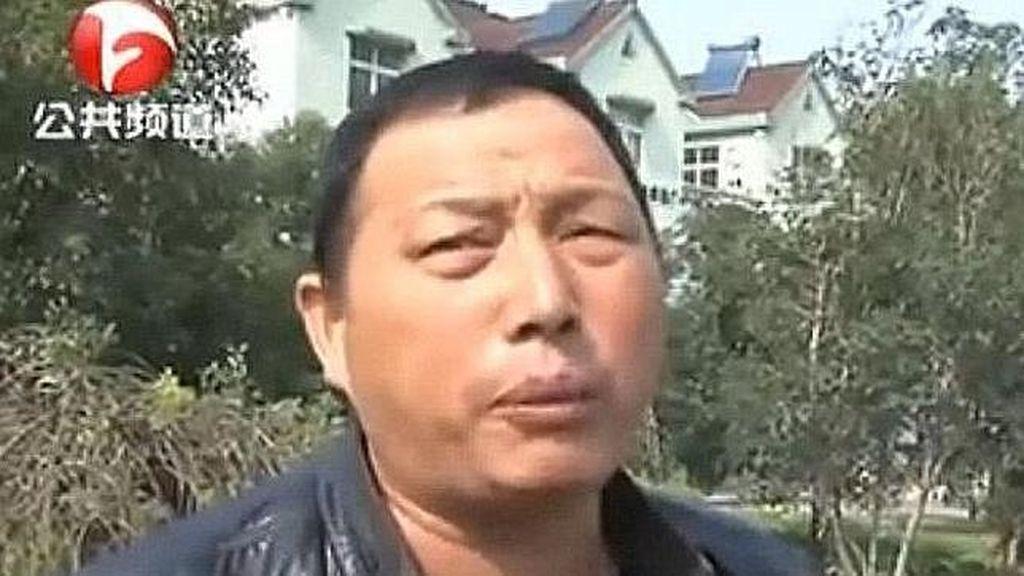 Zhang , el hombre chino que no socorrió a una mujer accidentada y descubrió minutos después que era su madre