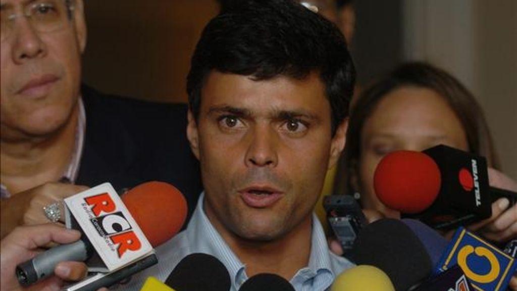 """El caso contra Rosales """"comenzó con una sentencia política del presidente de la República: 'voy a meter a Rosales preso'"""", por lo que el proceso tiene """"una clara sentencia"""" anticipada, denunció el también líder opositor Leopoldo López (en la foto). EFE/Archivo"""