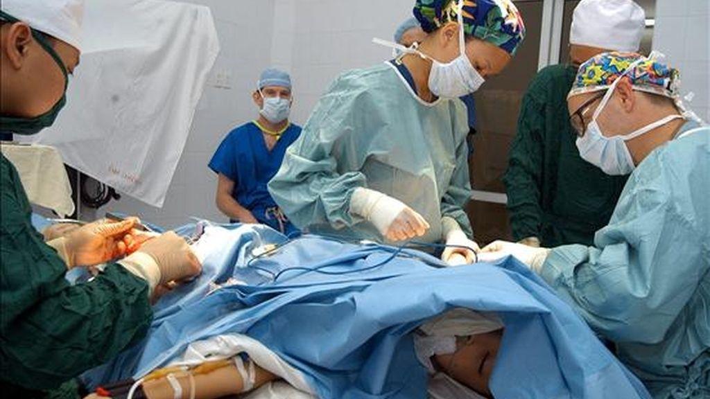 """Sandro comentó que prefiere mantenerse hospitalizado porque de esa manera se siente """"más tranquilo"""". EFE/Archivo"""