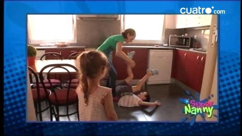 AVANCE: Paqui no puede controlar a sus tres hijos